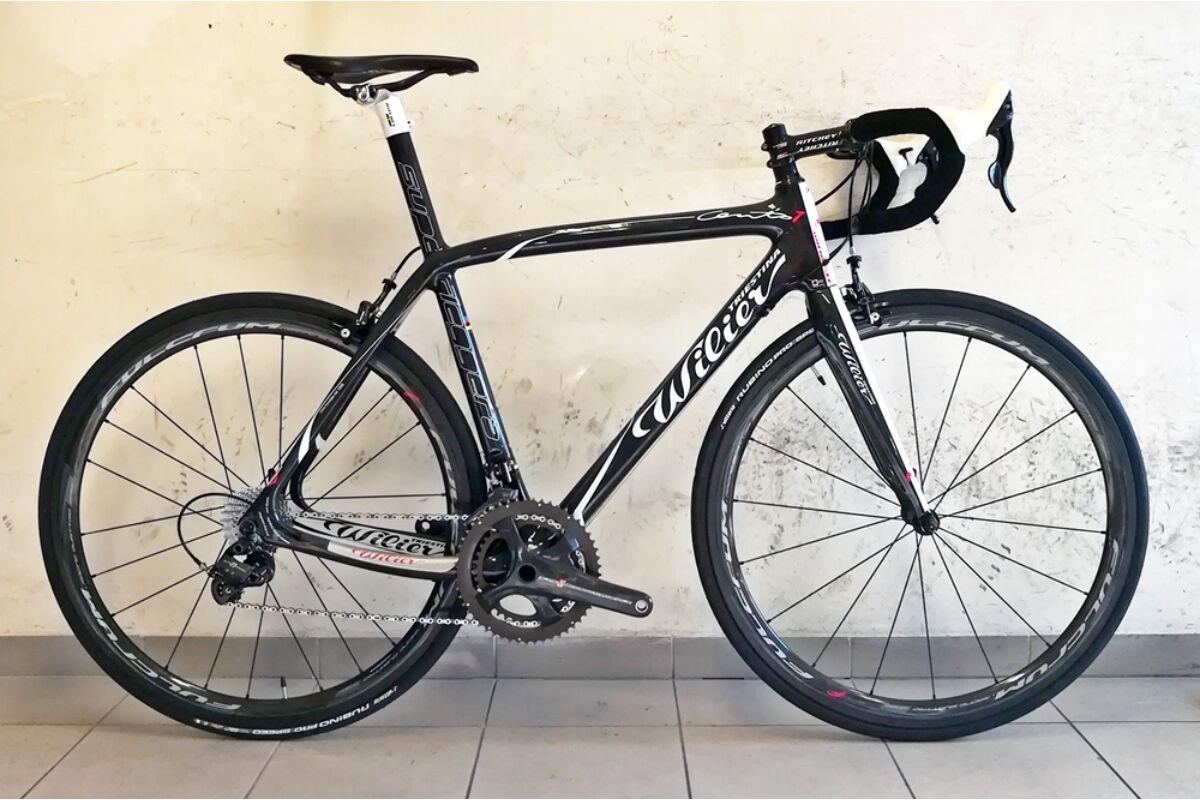 Használt karbon országúti kerékpár
